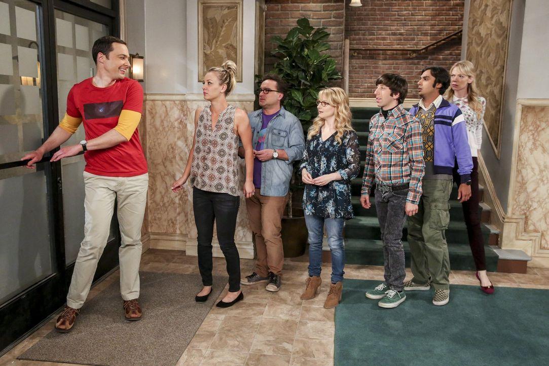 Das Sheldon (Jim Parsons, l.) mit Ramona (Riki Lindhome, r.) anbändelt gefällt seinen Freunden Penny (Kaley Cuoco, 2.v.l.), .), Leonard (Johnny Gale... - Bildquelle: 2016 Warner Brothers