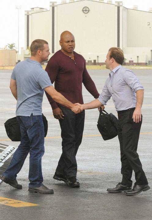 Müssen gemeinsam in einem neuen Fall ermitteln: Callen (Chris O'Donnell, l.), Sam (LL Cool J, M.) und Danny (Scott Caan, r.) ... - Bildquelle: TM &   CBS Studios Inc. All Rights Reserved.