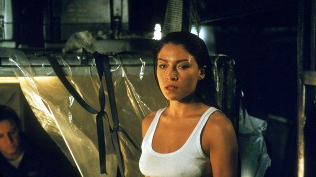 Auf wessen Seite steht die hübsche Elena Rivera (Liz May Brice)? © Sony Pictu...