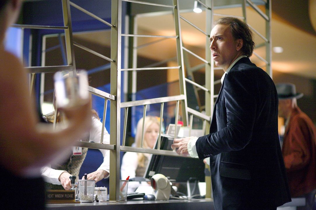 Aufgrund seiner Fähigkeit, in die Zukunft sehen zu können, wird Johnson (Nicolas Cage) vom FBI um Hilfe gebeten. Er soll eine Bombe ausfindig machen... - Bildquelle: t   2007 Paramount pictures. All Rights Reserved.