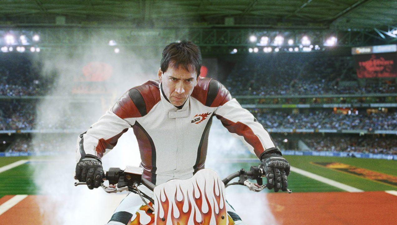Kein Stunt ist ihm zu gefährlich, keine Geschwindigkeit zu hoch. Und als der Teufel dem Stuntfahrer Johnny Blaze (Nicolas Cage) ein waghalsiges Ange... - Bildquelle: 2007 CPT Holdings, Inc. All Rights Reserved. (Sony Pictures Television International)