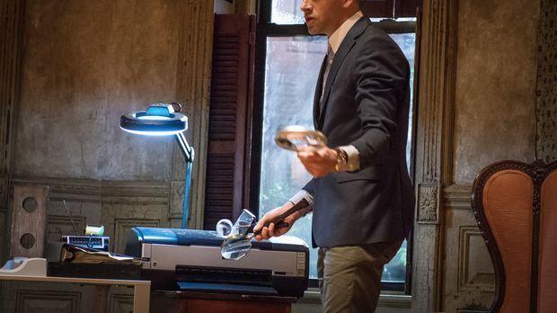 Holmes (Jonny Lee Miller, l.) und Watson ermitteln im Fall des Raubs einer se...