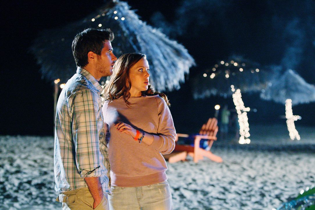 Wird Justin (Dave Annable, l.) Tessas (Desiree Hall, r.) Reizen verfallen? - Bildquelle: 2008 ABC INC.