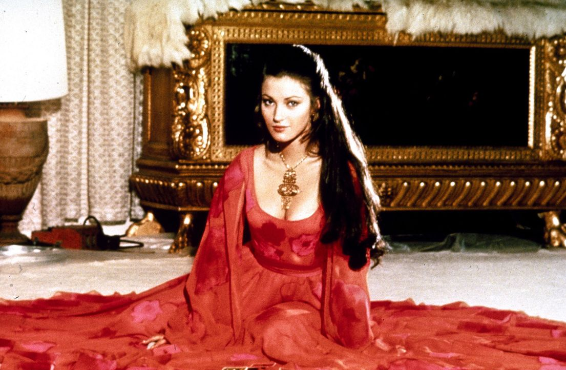 Jane-Seymour-James-Bond-Live-and-let-Die-1973-WENN-com - Bildquelle: WENN.com