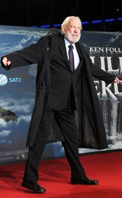 Auf dem Roten Teppich: Donald Sutherland - Bildquelle: dpa