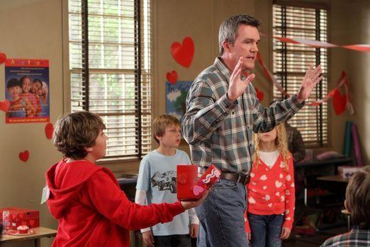 The Middle - Mike (Neil Flynn) verplappert sich bei der Mutter von Bricks neu...