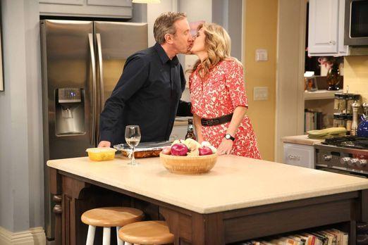 Mike (Tim Allen, l.) und Vanessa (Nancy Travis, r.) haben von Ed anlässlich i...