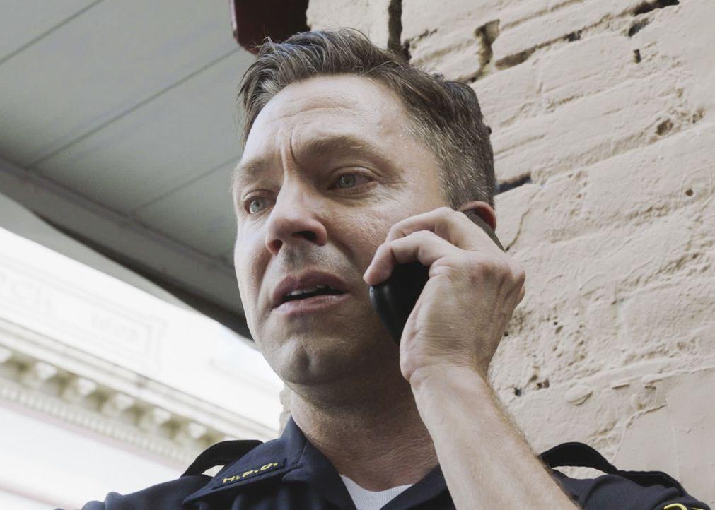 Der Mord an zwei Touristen beschäftigt das Hawaii Five-0 Team ein Mann (Michael Weston) mit einer multiplen Persönlichkeitsstörung ... - Bildquelle: 2017 CBS Broadcasting Inc. All Rights Reserved.