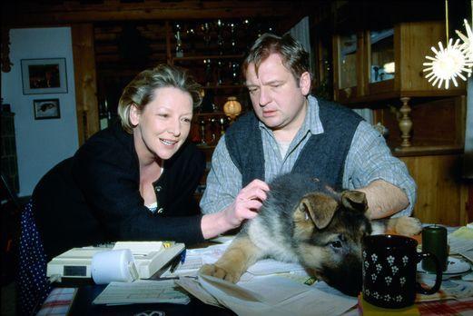 Baby Rex - Der kleine Kommissar - Familie Antonius (Kitty Speiser, l. und Vit...
