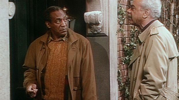 Cliff (Bill Cosby, l.) dankt seinem Vater Russell (Earle Hyman, r.), dass die...