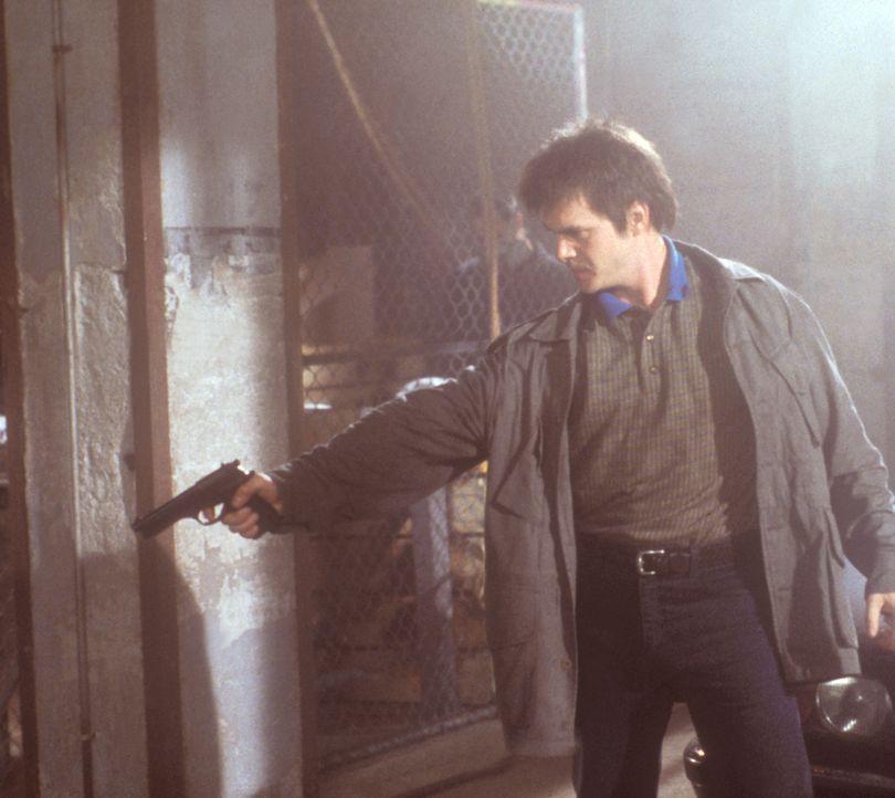 Rick (Russell Wong) hat keine saubere Weste, denn die chinesische Mafia ist hinter ihm her ... - Bildquelle: 2000  MUSE PRODUCTIONS (TRACKER) INC.