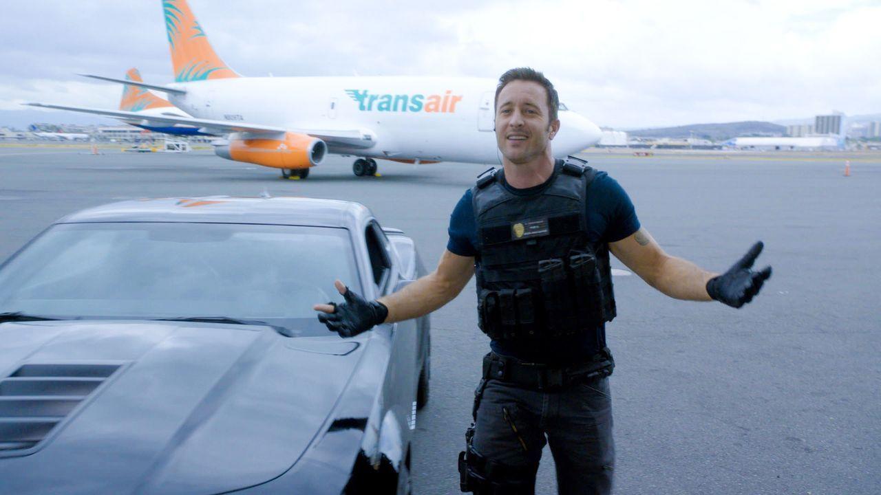 Muss mit seinem Team einen neuen Fall aufklären: Steve (Alex O'Loughlin) ... - Bildquelle: 2015 CBS Broadcasting Inc. All Rights Reserved.