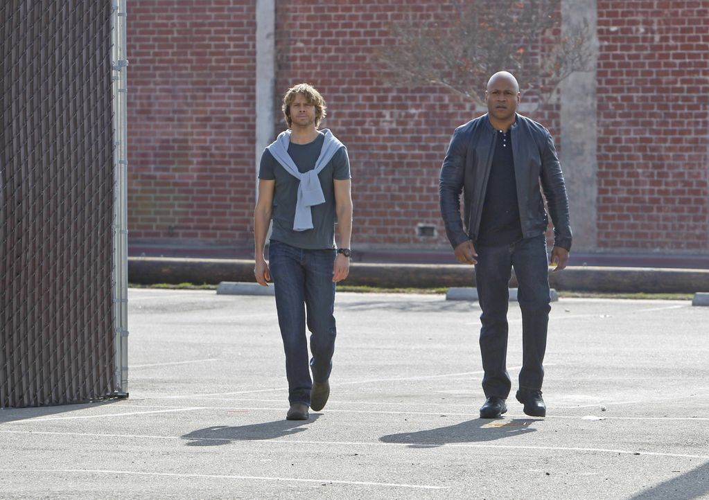 Ermitteln in einem neuen Fall: Sam (LL Cool J, r.), Deeks (Eric Christian Olsen, l.)  ... - Bildquelle: CBS Studios Inc. All Rights Reserved.