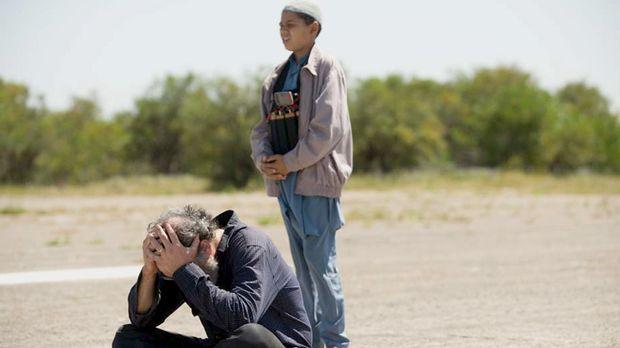 Der Austausch von Saul (Mandy Patinkin, l.) gegen fünf Top-Taliban-Terroriste...