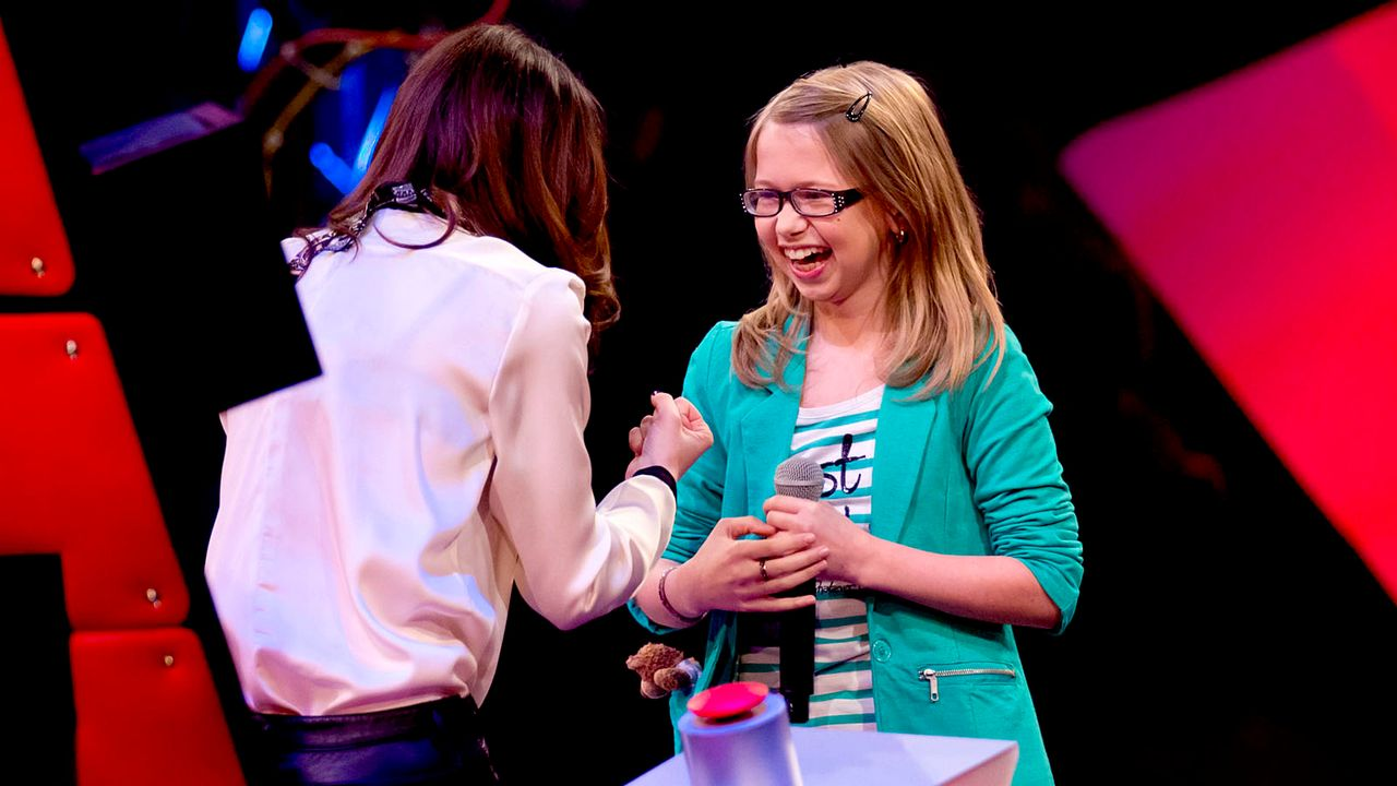 The-Voice-Kids-s01e01-Laura-039T - Bildquelle: SAT.1/Richard Hübner