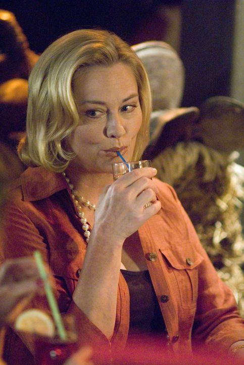 Glaubt, dass es zwischen ihr und Alice gefunkt hat: Phyllis (Cybill Shepherd) ... - Bildquelle: Metro-Goldwyn-Mayer Studios Inc. All Rights Reserved.