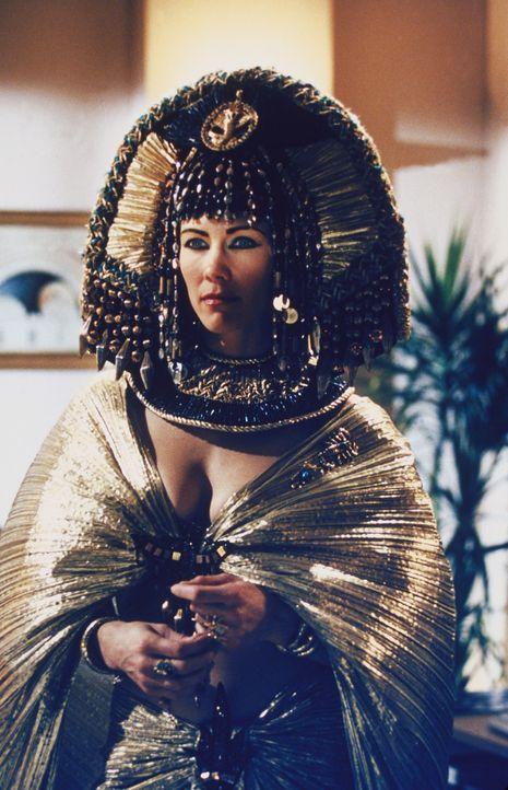 Die Wächterin (Stacy Haiduk) der Urne bestraft die Habsucht der Diebe ... - Bildquelle: Paramount Pictures