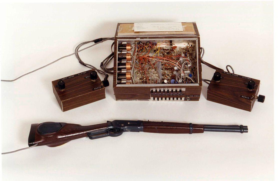 Diese Maschine ebnete den Weg für die Videospiele von heute. Ralph Baer und seine Kollegen bei Sanders Associates, Inc. entwickelten 1967 einen Prot... - Bildquelle: Ralph Baer