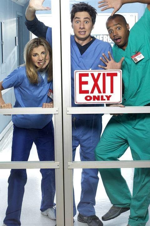 (1. Staffel) - Sammeln erste praktische Erfahrungen als Mediziner: Assistenzärzte John Dorian (Zach Braff, M.), Chris Turk (Donald Faison, r.) und E... - Bildquelle: Touchstone Television