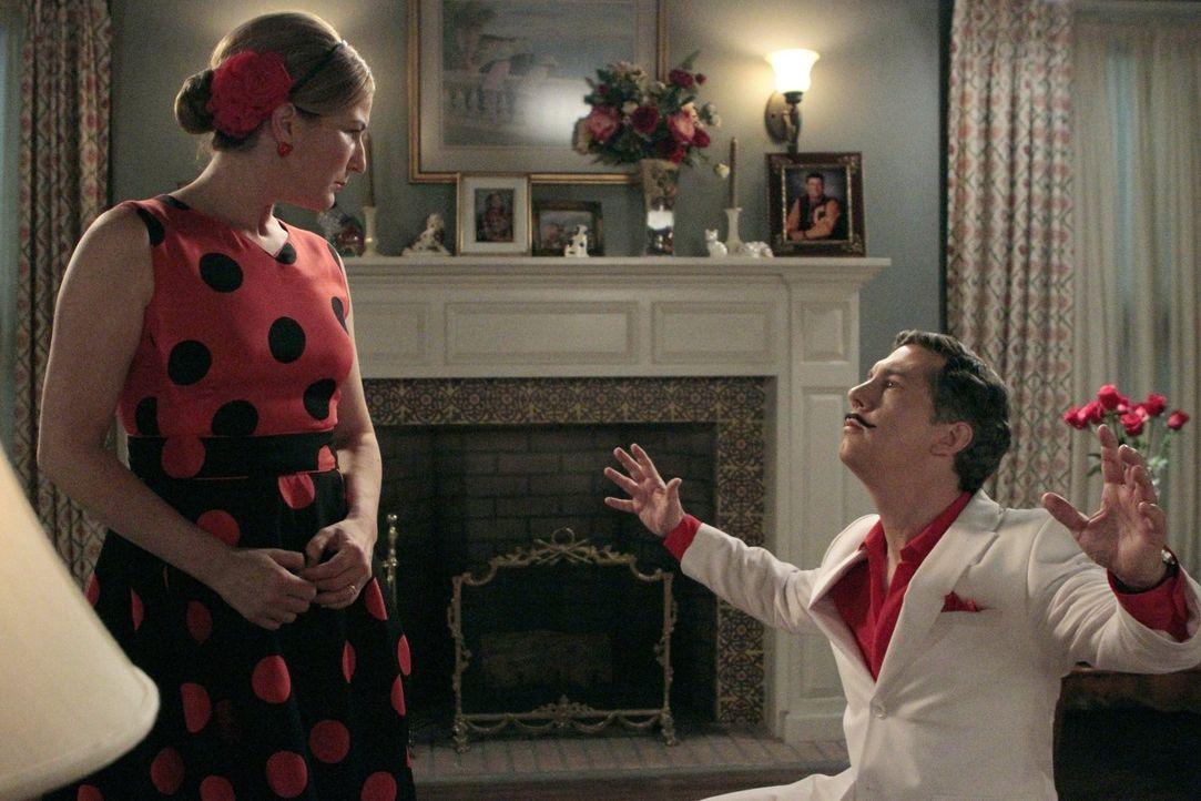 Ein Valentinstag mit Folgen: Fred (Chris Parnell, r.) und Sheila (Ana Gasteyer, l.) .. - Bildquelle: Warner Brothers