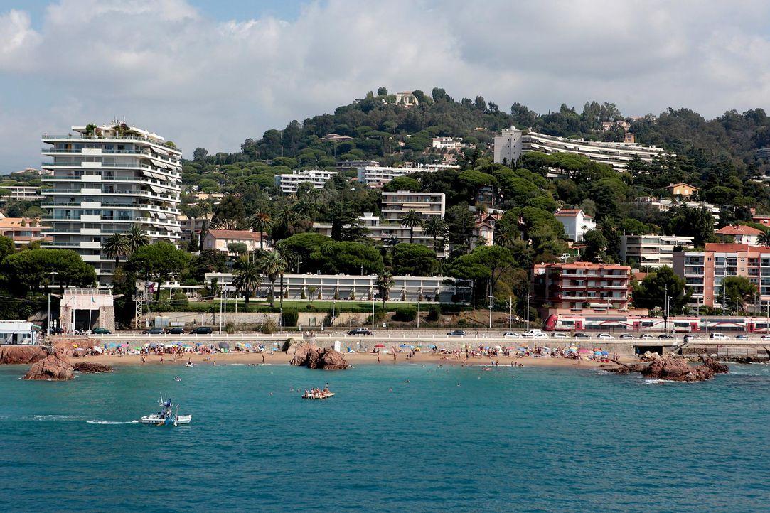 Cannes-Strand-Hotels-AFP - Bildquelle: AFP Photo/Jean Christophe Magnenet