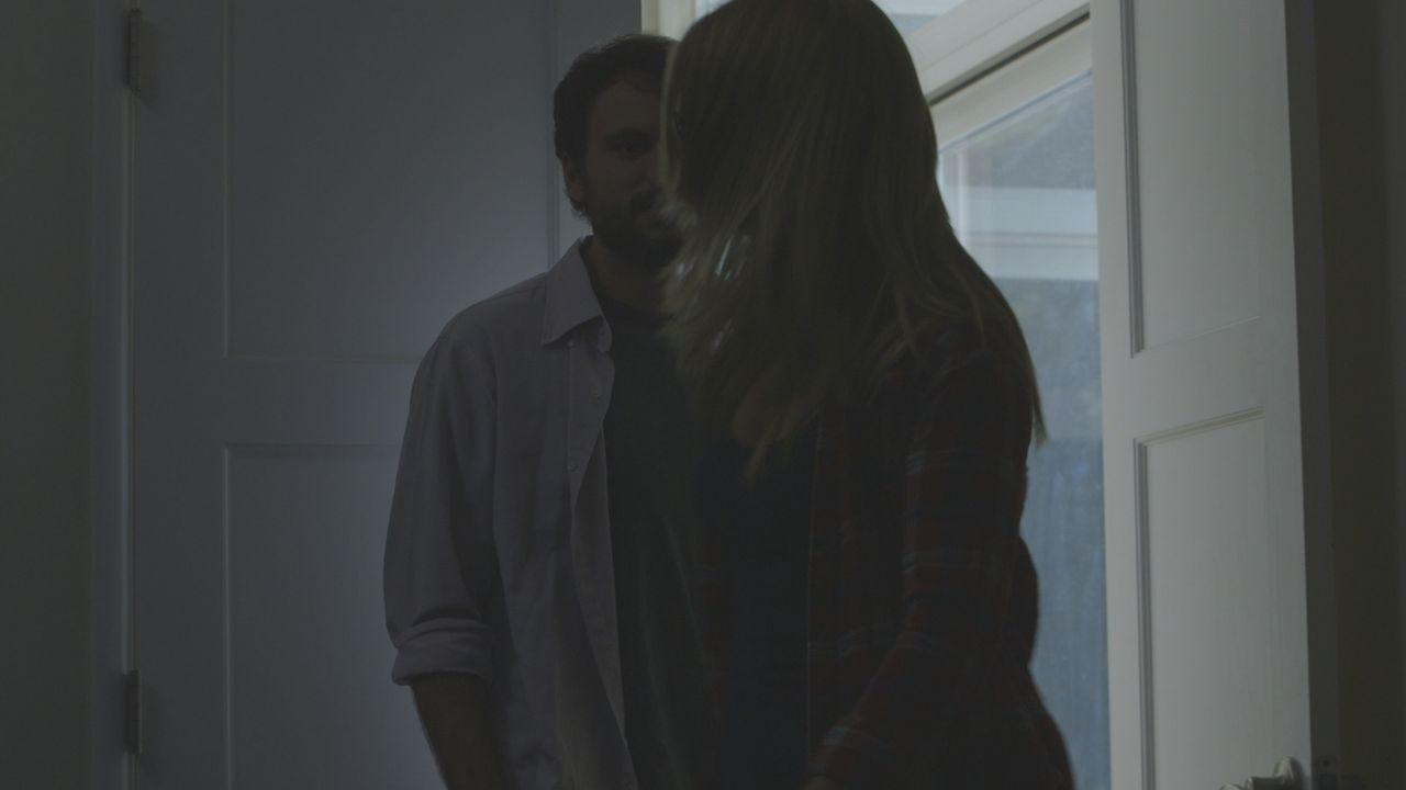 Vor ihrem Tod geraten Jamie Larson (r.) und ihr Lover Daniel Sheffford (l.) in einen heftigen Streit  Hat er etwas mit dem Verbrechen zu tun? - Bildquelle: LMNO Cable Group