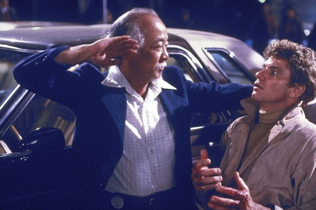 """Miyagi (Noriyuki """"Pat"""" Morita, l.) weiß, sich seiner Haut zu wehren ... - Bildquelle: Columbia Pictures"""
