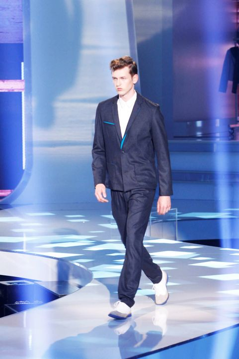 Fashion-Hero-Epi04-Gewinneroutfits-Tim-Labenda-Karstadt-02-Richard-Huebner - Bildquelle: Richard Huebner