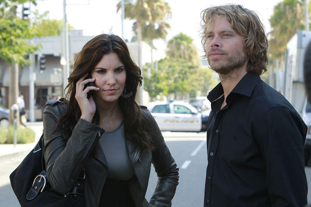 Der Schmuck der Königin: Kensi (Daniela Ruah, l.) und Deeks (Eric Christian Olsen, r.) ... - Bildquelle: CBS Studios Inc. All Rights Reserved.