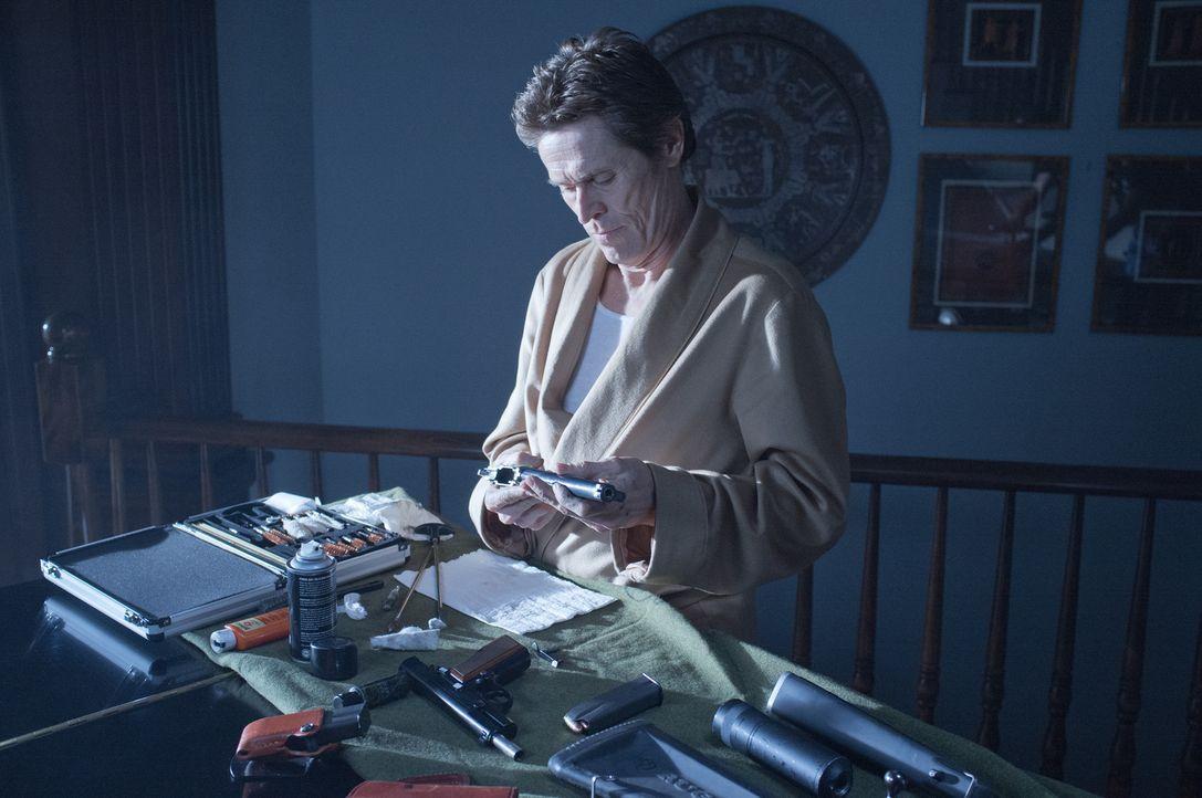 Freund oder Feind? Lässt sich Killerkollege Marcus (Willem Dafoe) vom Syndikat kaufen? - Bildquelle: 2014 SUMMIT ENTERTAINMENT, LLC. ALL RIGHTS RESERVED.