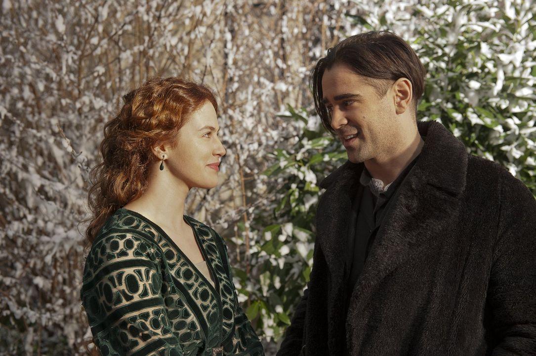 Während eines Einbruchs in eine Villa lernt Peter (Colin Farrell, r.) die Tochter des Eigentümers Isaac kennen und verliebt sich sogleich in die off... - Bildquelle: Warner Brothers