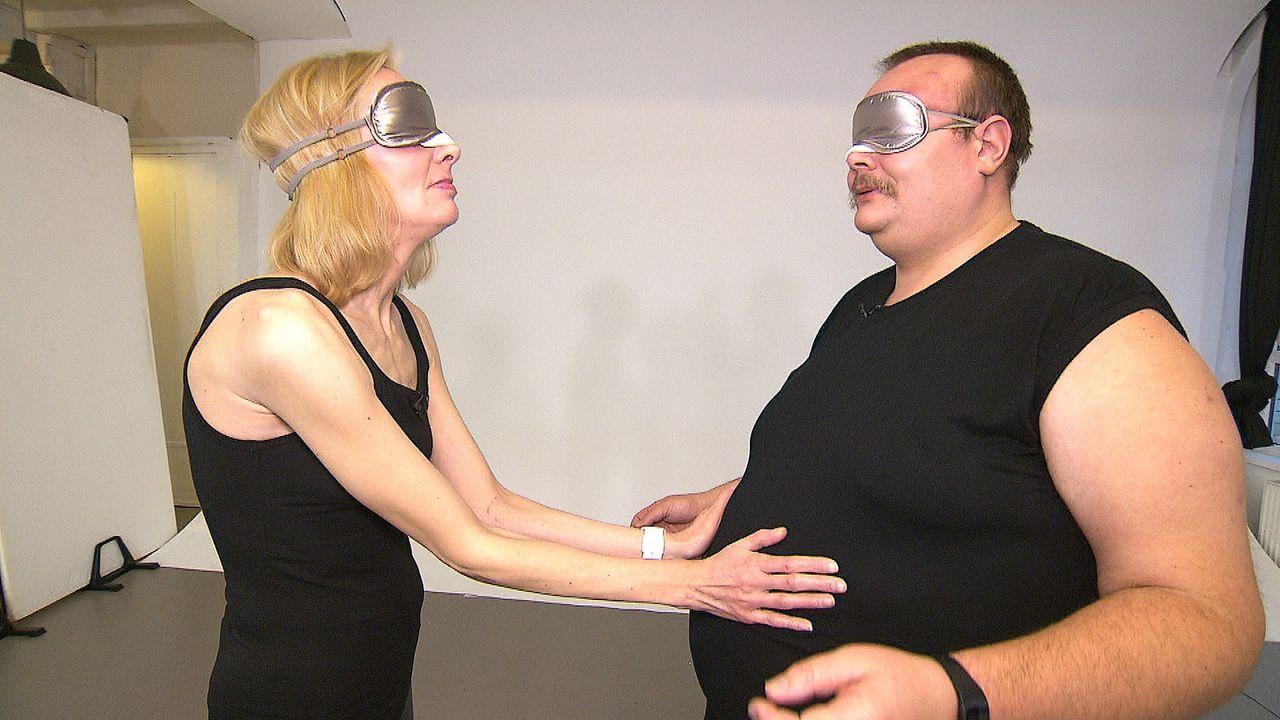Wie werden Martina (l.) und Heiko (r.) reagieren, wenn sie sich endlich sehen können? - Bildquelle: kabel eins
