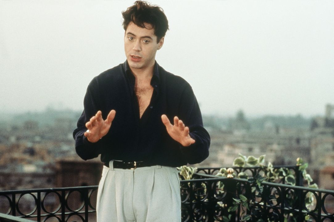 Über den Dächern Roms will Peter Wright (Robert Downey jr.) seine Traumfrau für sich gewinnen ... - Bildquelle: Columbia TriStar