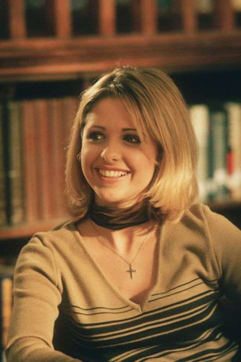 Als auf der Schule von Sunnydale die Berufswahlwoche stattfindet, steht für Buffy (Sarah Michelle Gellar) fest, dass sie weiterhin Vampirjägerin ble... - Bildquelle: TM +   2000 Twentieth Century Fox Film Corporation. All Rights Reserved.