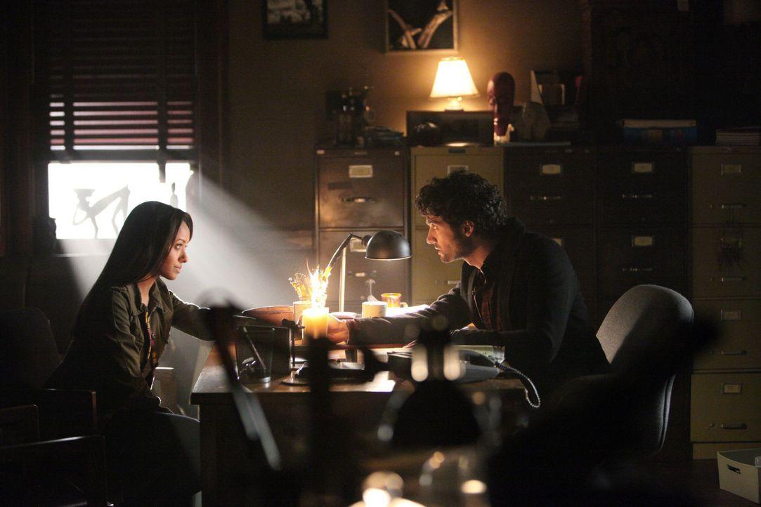 Bonnie Bennett und Professor Shane - Bildquelle: Warner Bros Entertainment Inc.