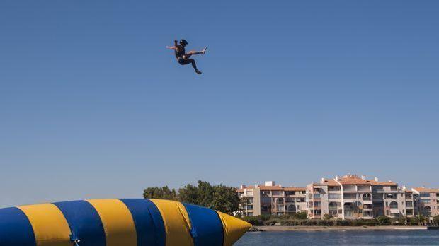 Bis zu 17 Meter in die Höhe können die Blobber geschleudert werden. Das ist z...