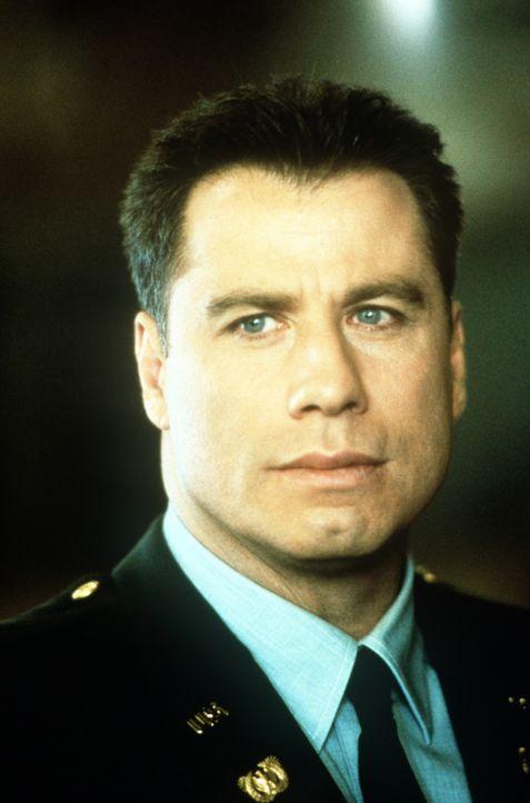Auf dem Militärstützpunkt Fort McCallum ermittelt der Army-Cop Paul Brenner (John Travolta). Er soll den Tod der Tochter des bekannten Generals Joe... - Bildquelle: Paramount Pictures