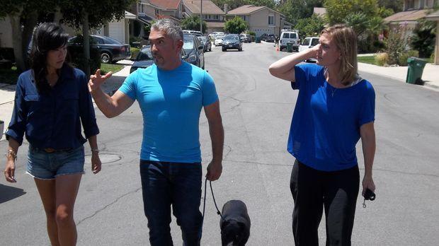 Die Freundschaft von Alyssa (r.) und Debi (l.) wird durch Alyssas Hund auf ei...