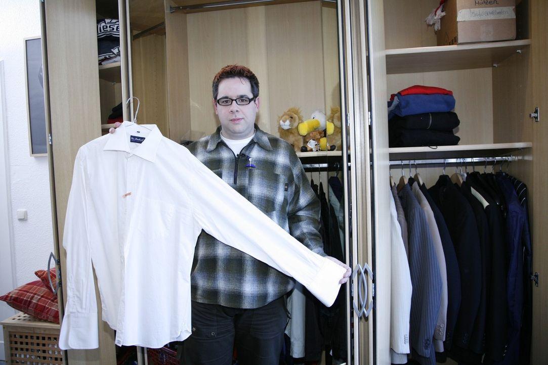 Michael ist Travestiekünstler und braucht für einen großen Auftritt bei einem 65. Geburtstag ein ganz besonderes Outfit. - Bildquelle: Sat.1
