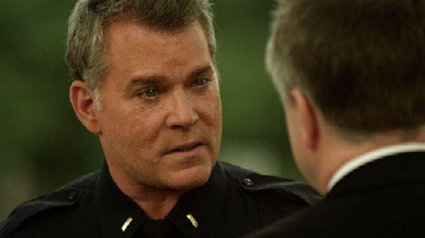 Marty Kingston (Ray Liotta) ist der Kopf einer Gruppe von Cops, die undercove...