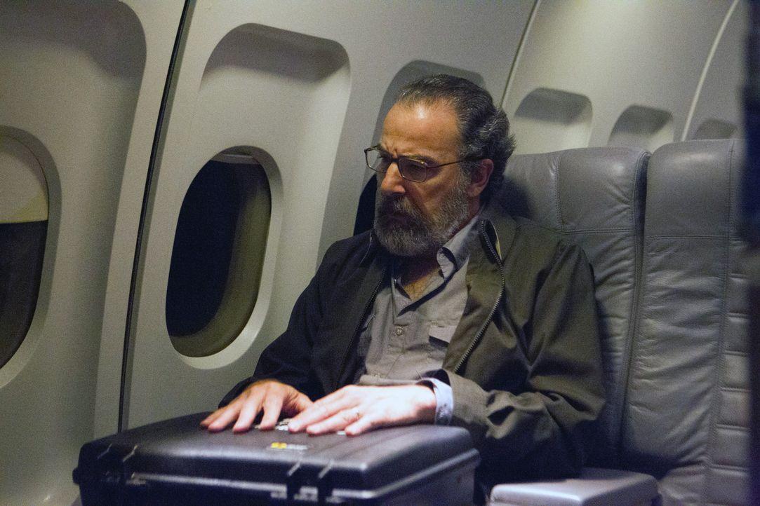 Nachdem Saul (Mandy Patinkin) einen wichtigen Mikrochip gefunden hat, versucht er ihn aus Beirut herauszuschmuggeln ... - Bildquelle: 20th Century Fox International Television