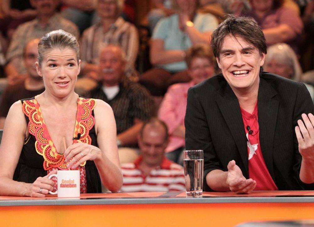 Geben alles, um den Begriff zu erraten: Anke Engelke (l.) und Matze Knop (r.) ... - Bildquelle: Sat.1