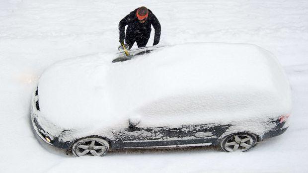 Der Winter setzt dem Auto arg zu, daher sollte es gerade jetzt aufmerksame Pf...