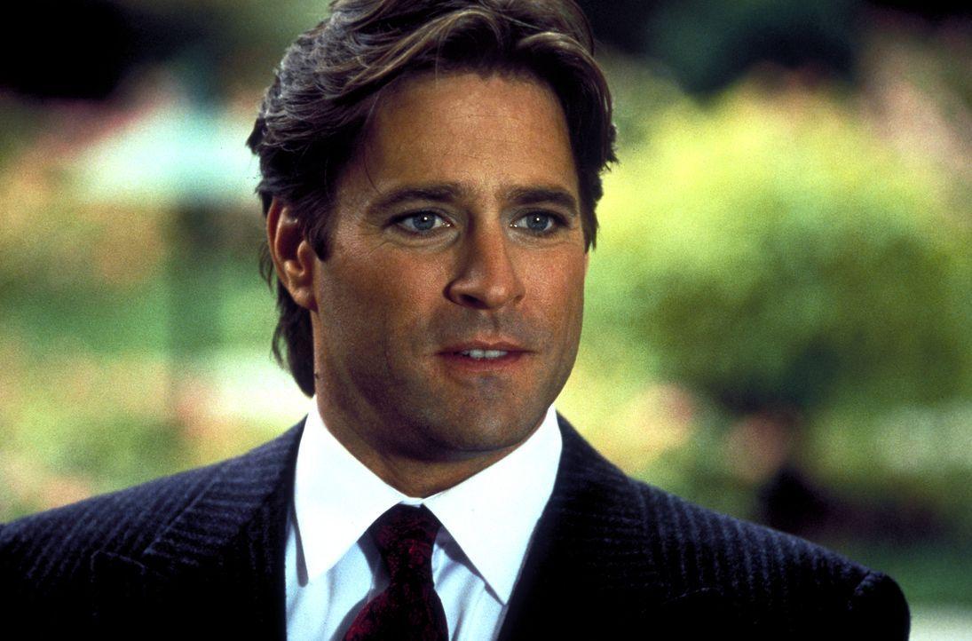 Auf Max' Beerdigung scheint Ronny (Jeff Kaake) sehr betroffen zu sein, doch der Schein trügt ... - Bildquelle: Columbia Pictures
