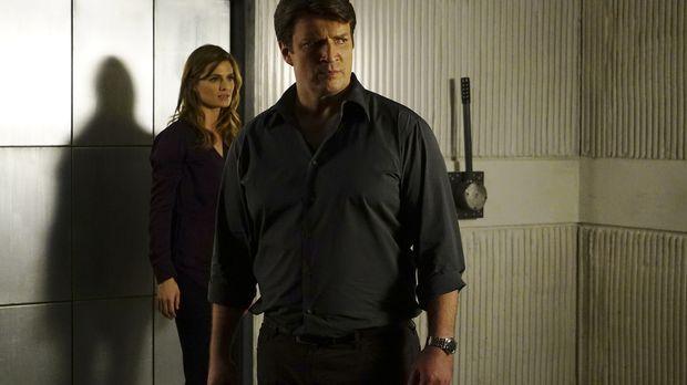 Nachdem Castle (Nathan Fillion, r.) entführt wurde, setzen Beckett (Stana Kat...