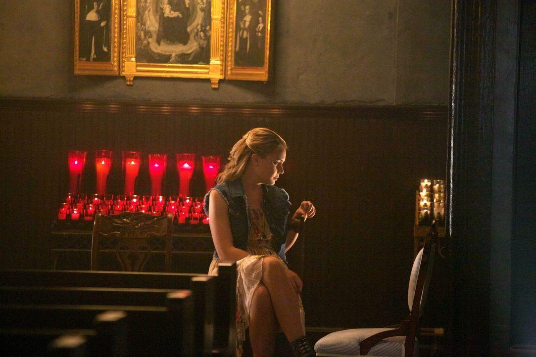Cami hat ein düsteres Geheimnis - Bildquelle: Warner Bros. Entertainment Inc.