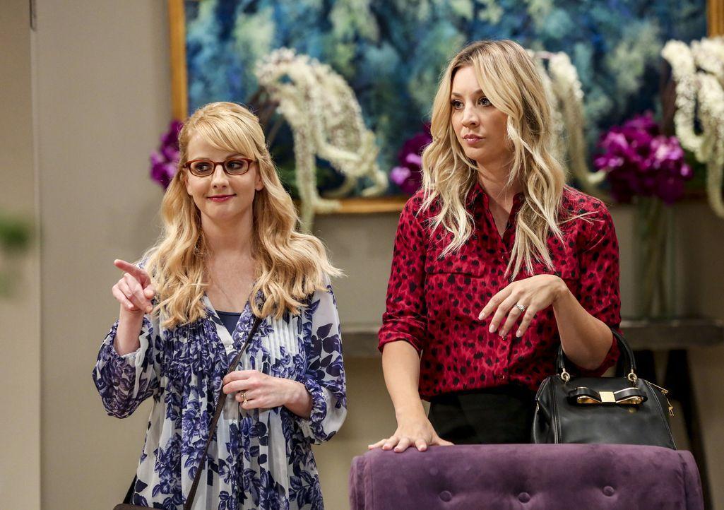 Bernadette (Melissa Rauch, l.); Penny (Kaley Cuoco, r.) - Bildquelle: Warner Bros. Television