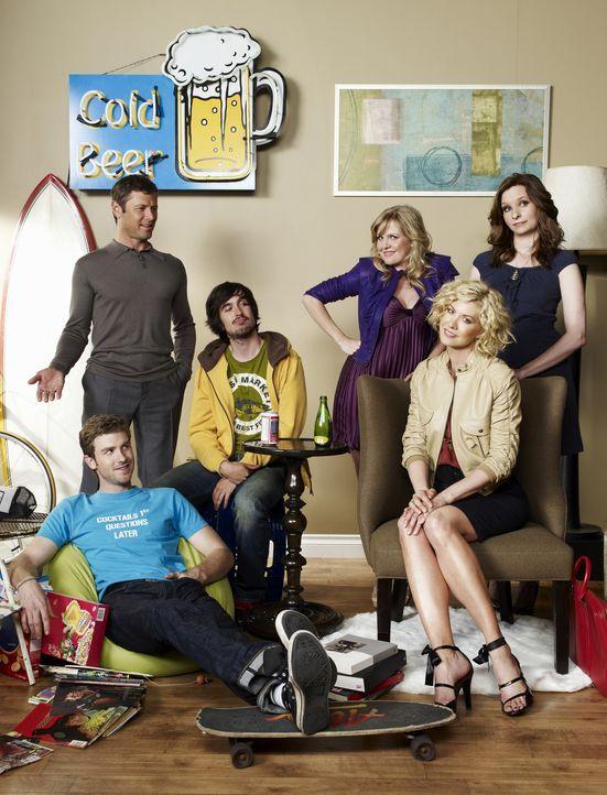 (1. Staffel) - Versuchen sich immer wieder zusammenzuraufen (v.l.n.r.): Zack (Jon Foster), James (Grant Show), Davis (Nicolas Wright), Olivia (Ashle... - Bildquelle: 2009 CBS Broadcasting Inc. All Rights Reserved