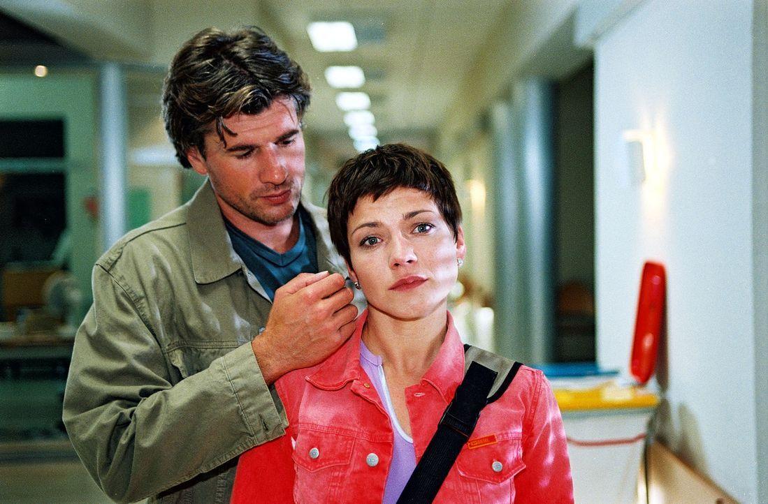 Frederik (Daniel Morgenroth, l.) will sich für immer von Stephanie (Claudia Schmutzler, r.) trennen. - Bildquelle: Noreen Flynn Sat.1