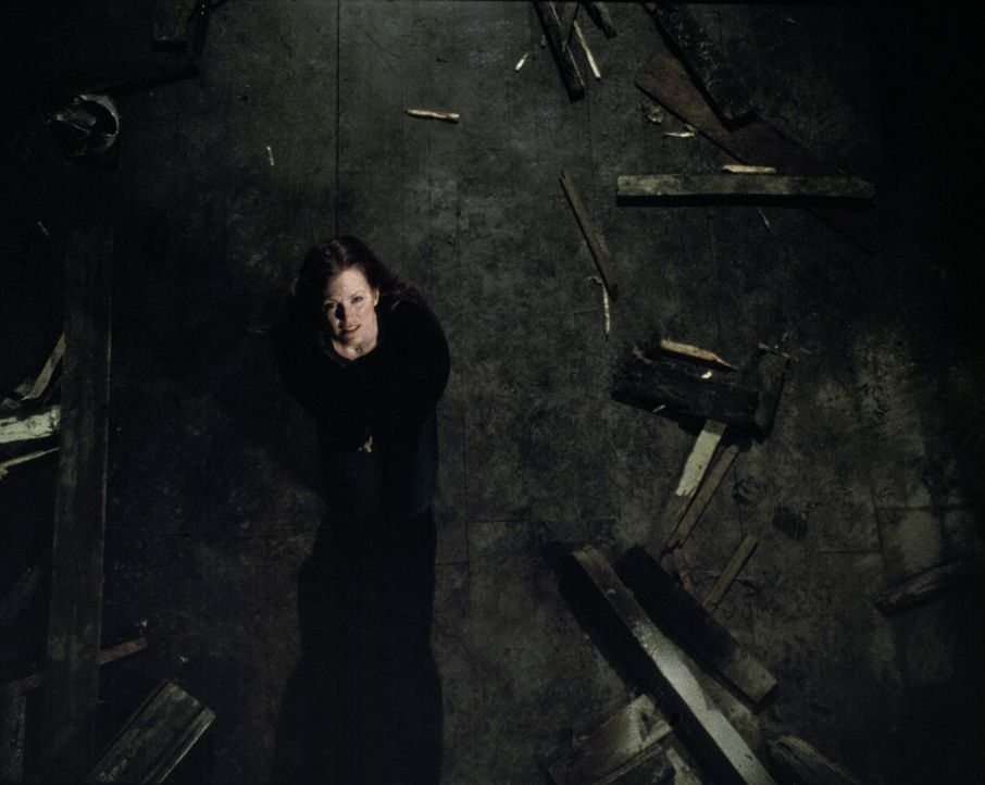 Während Telly (Julianne Moore) noch voller Trauer über den Verlust ihres kleines Sohnes ist, versucht ihr Psychiater ihr einzureden, dass sie an ein... - Bildquelle: Columbia Pictures
